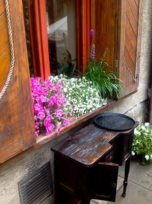 Ukwiecone okna i balkony